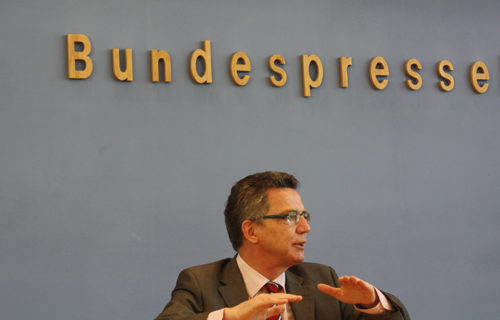 Bundespressekonferenz Bundesminister Thomas de Maizière 2010