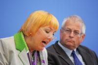 Bundespressekonferenz Claudia Roth Gregor Mayntz 2011