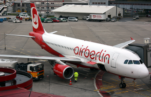 D-ABFB Air Berlin Airbus A320-214 Berlin 2010