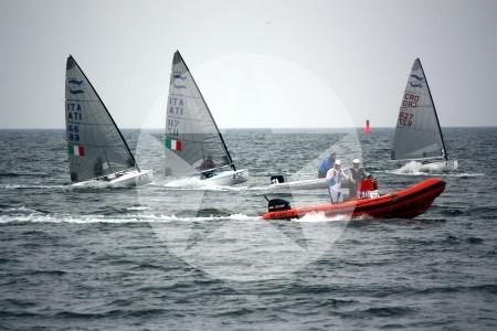 Spannende Rennen trotz wenig Wind vor Warnemünde.