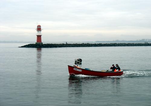 Fischerboot Ostmole Warnemünde 2008