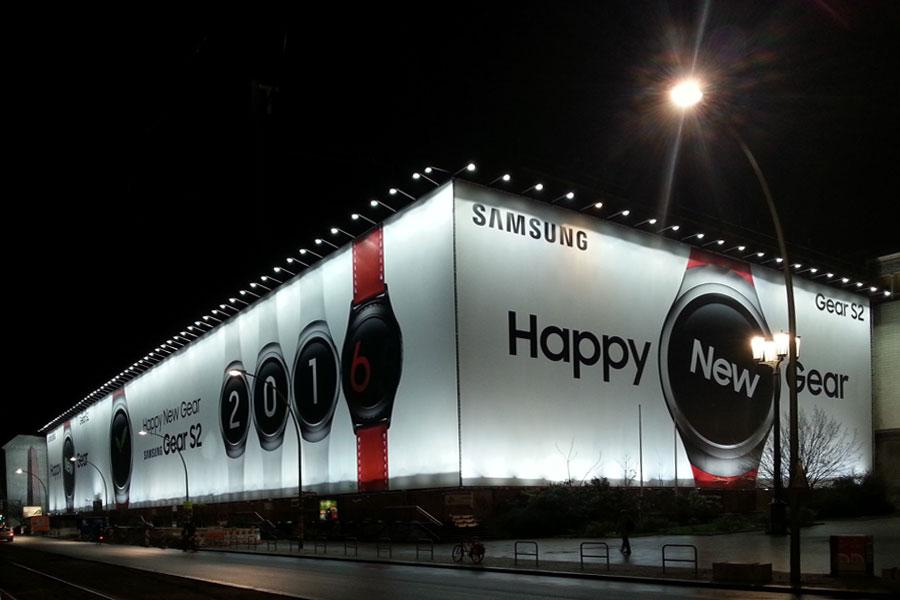 Plakatwerbung: Happy New Gear in Berlin-Friedrichshain, 2015