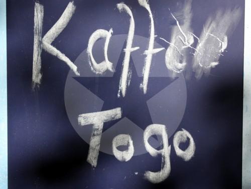 Kaffee Togo Schrift Text Typografie 2011