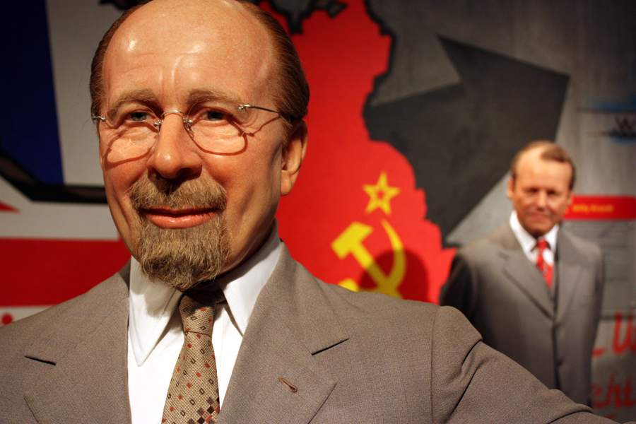 Walter Ulbricht und Willy Brandt bei Madame Tussauds Berlin, 2011