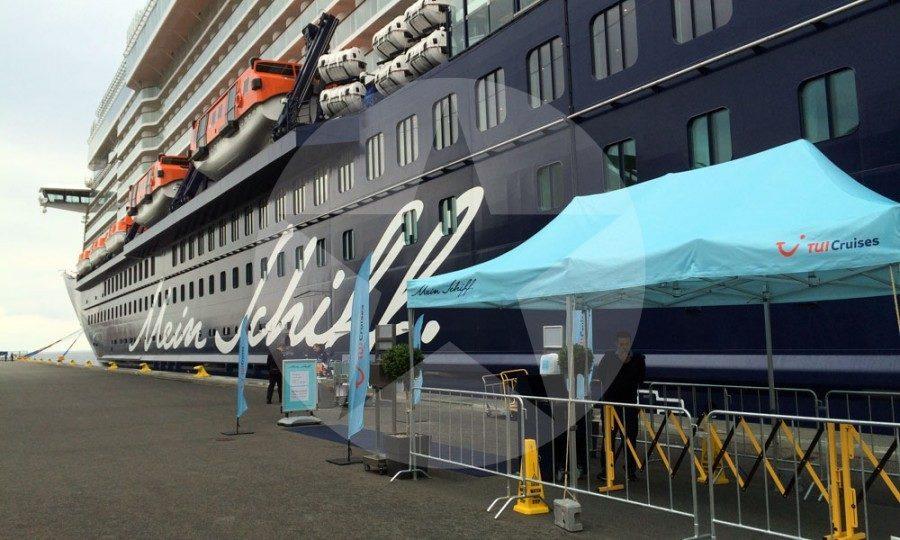 Mein Schiff 5 im Hafen