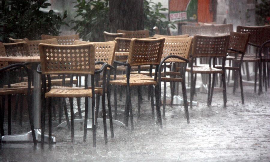 Regen Wassermassen Warnemünde Mühlenstraße 2011