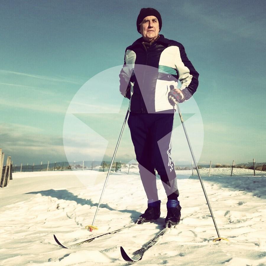Skifahrer Langlauf Strand Warnemuende 2013