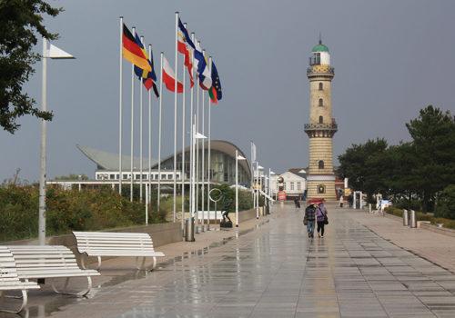 Promenade Regen Warnemünde 2010