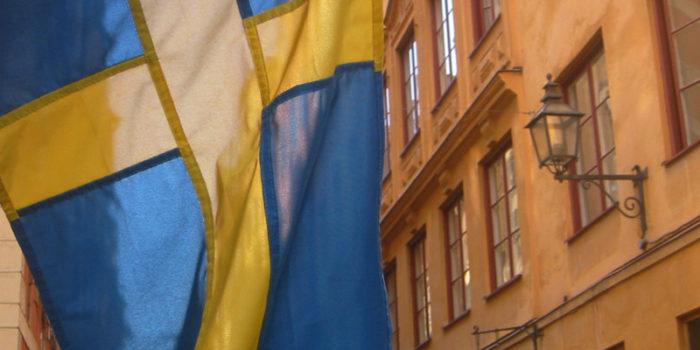 Der schwedische Reichstag schreibt die Beflaggung an bestimmten Festtagen vor. Man findet sie jedoch jederzeit überall.