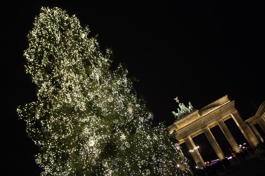 Weihnachtsbaum Brandenburger Tor Berlin 2011