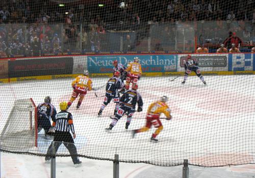 Wellblechpalast Eisbären Berlin DEG Halbfinale DEL 2008